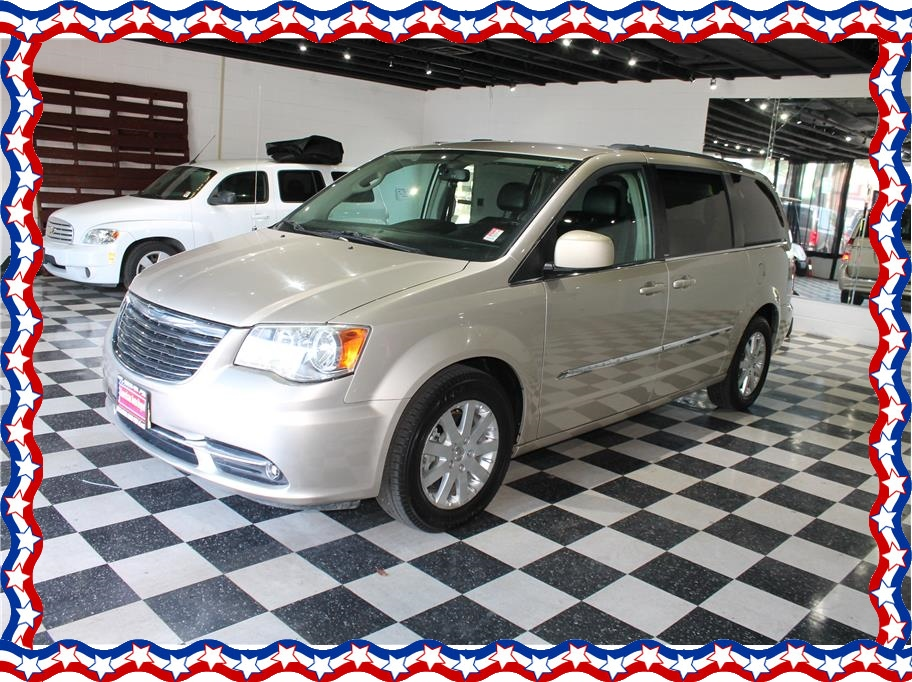 2013 Chrysler Town & Country from American Auto Depot